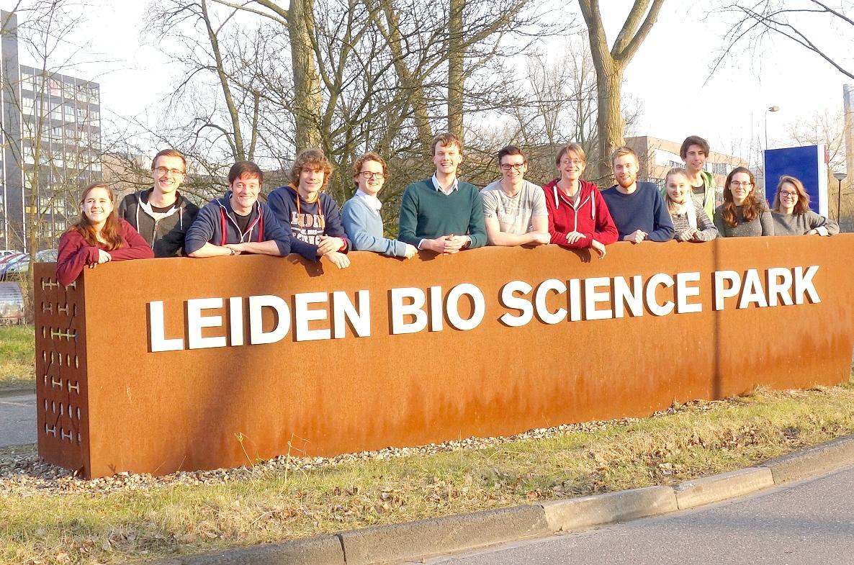 Groepsfoto_iGEM_Leiden